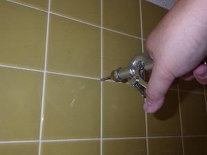 浴室壁内薬剤注入処理