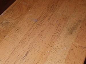 手摺のヒラタキクイムシ被害