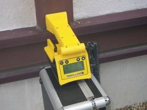非破壊シロアリ探知機での点検調査